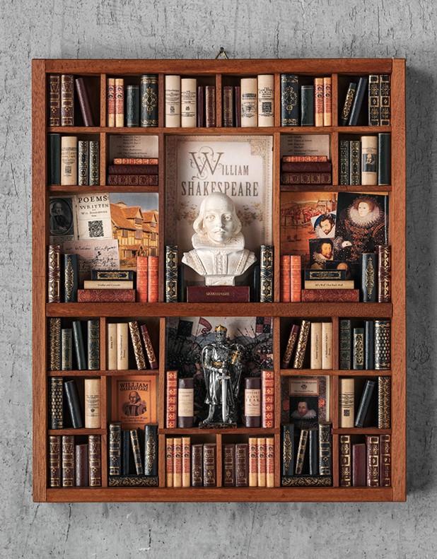 Miniature Library Shakespeare Theme Manuzio