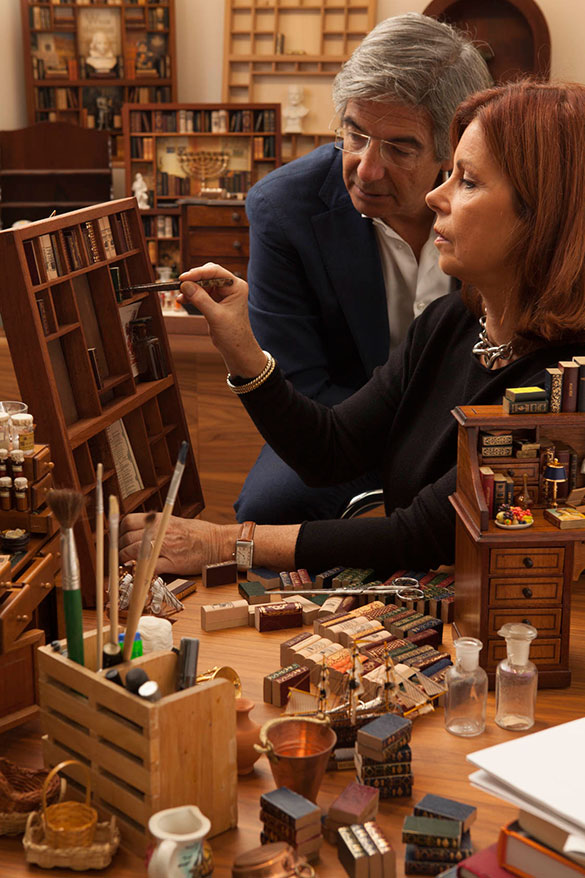 miniature-libraries-making.jpg